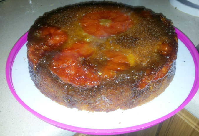 ta daaaah!!!! It looks better in full daylight I promise. And those burned looking bits? Thick, fruity caramel. Fabulous.