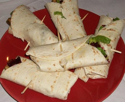 Wraps with hand made turkey goujons and a cranberry sauce. It's like christmas dinner in a wrap! Well not quite, but it was very good and possibly not a starter but I took one on my first plate so it goes in the first section. Really nice idea and a combination I previously wouldn't have considered in a wrap/sandwich type affair. I will now! Good work David.