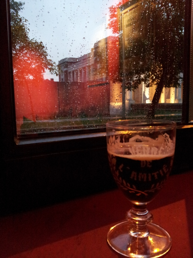 A cheeky Leffe Ruby with a view on the Menin Gate.